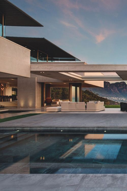 I love the design, and the view of the valley through the house. OVD 919 by SAOTA
