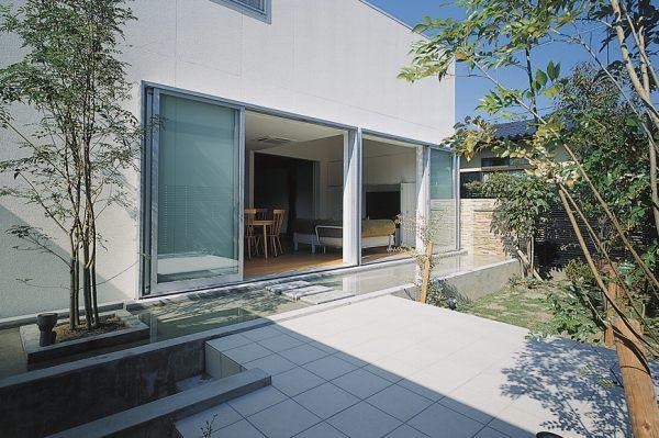 水盤のある住まい | ガラススクリーンと緑・光・風 | アーキッシュギャラリー