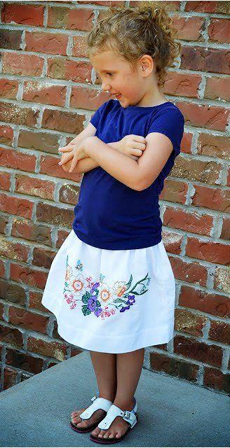 ADORABLE #Vintage Pillowcase Skirt #DIY