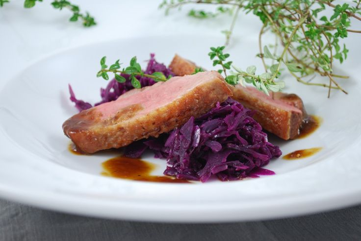 Gdybyś czasem poszukiwał pomysłu na danie mięsne na pierwszy lub drugi dzień Świąt Bożego Narodzenia to służę pomocą :)