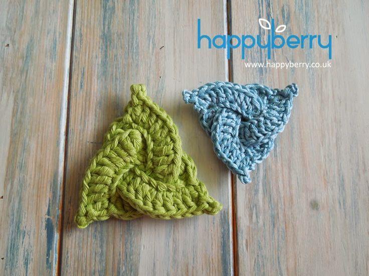 How To Crochet a Celtic Triangle - Tutorial ❥ 4U // hf  http://www.pinterest.com/hilariafina/