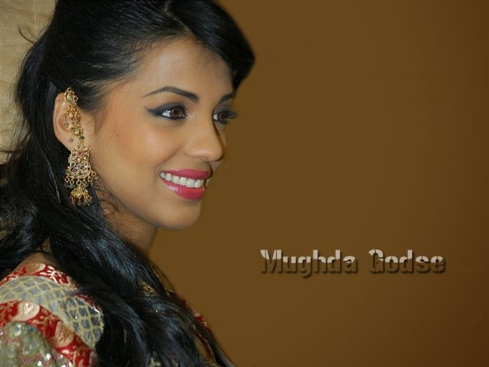 Beautiful Mugdha Godse Photo Gallery