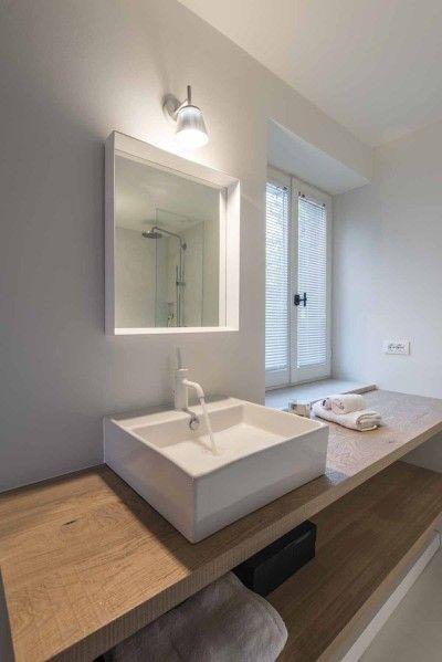 een badkamermeubel geeft je badkamer een mooie natuurlijke uitstraling #hout #badkamermeubel #badkamer