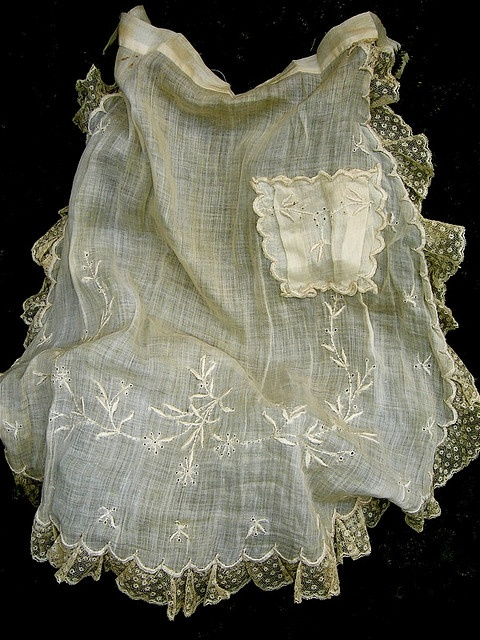 sweet cotton lawn tea apron - 1920