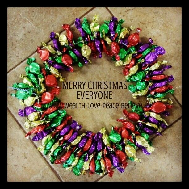 Merry Christmas to Everyone and to everyone a Merry Christmas! Hope you have an awesome day surrounded be wonderful family and friends.  www.wealth-love-peace-believe.com #lollywreath #caramels #homemadedecorations #awesomeideas