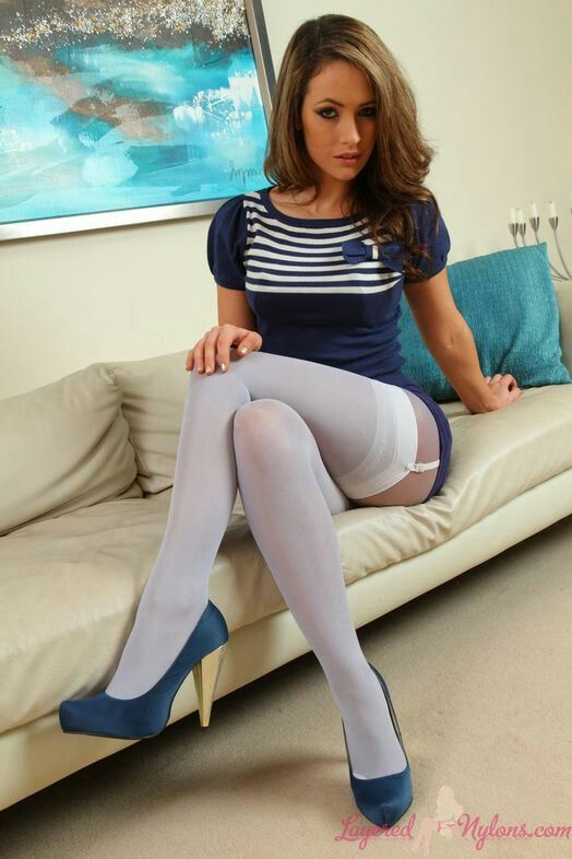 porn actress wearing white socks thumbnail gallery