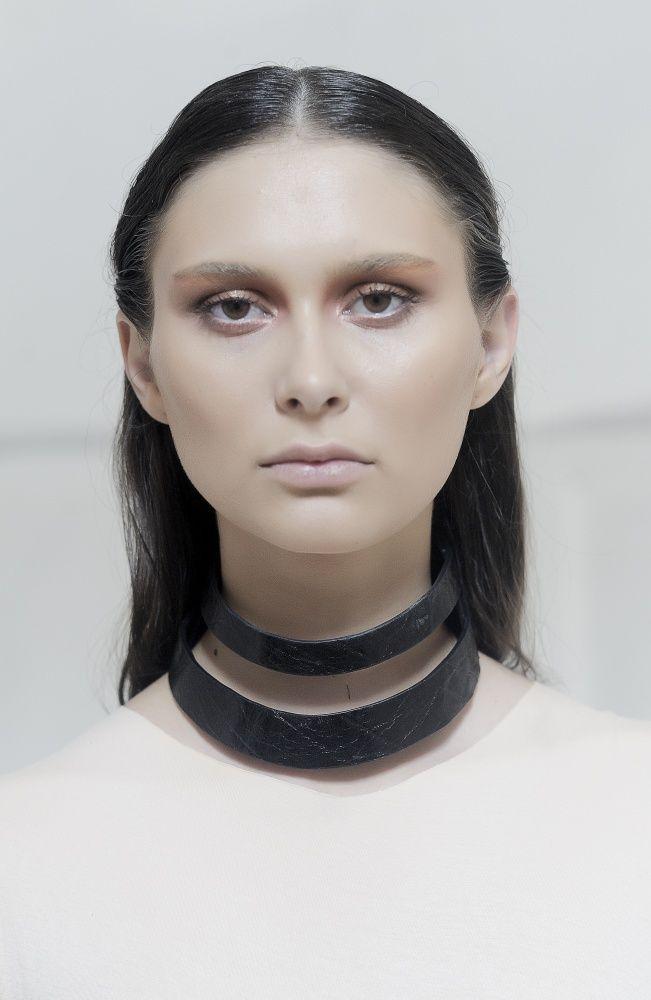 Alexandra Abraham – Double Collar