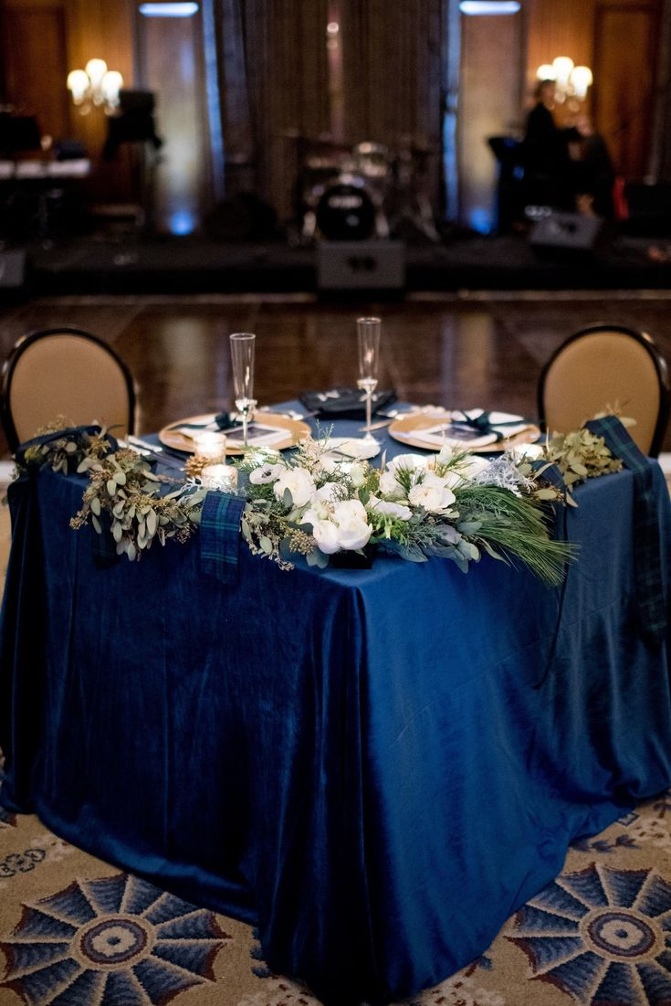 La Tavola Fine Linen Rental: Velvet Navy | Photography: Emily Millay Fine Photography, Event Planning: A Charming Fete, Florals: Every Blooming Thing, Venue: The Union Club of Cleveland, Paper Goods: Aerialist Press
