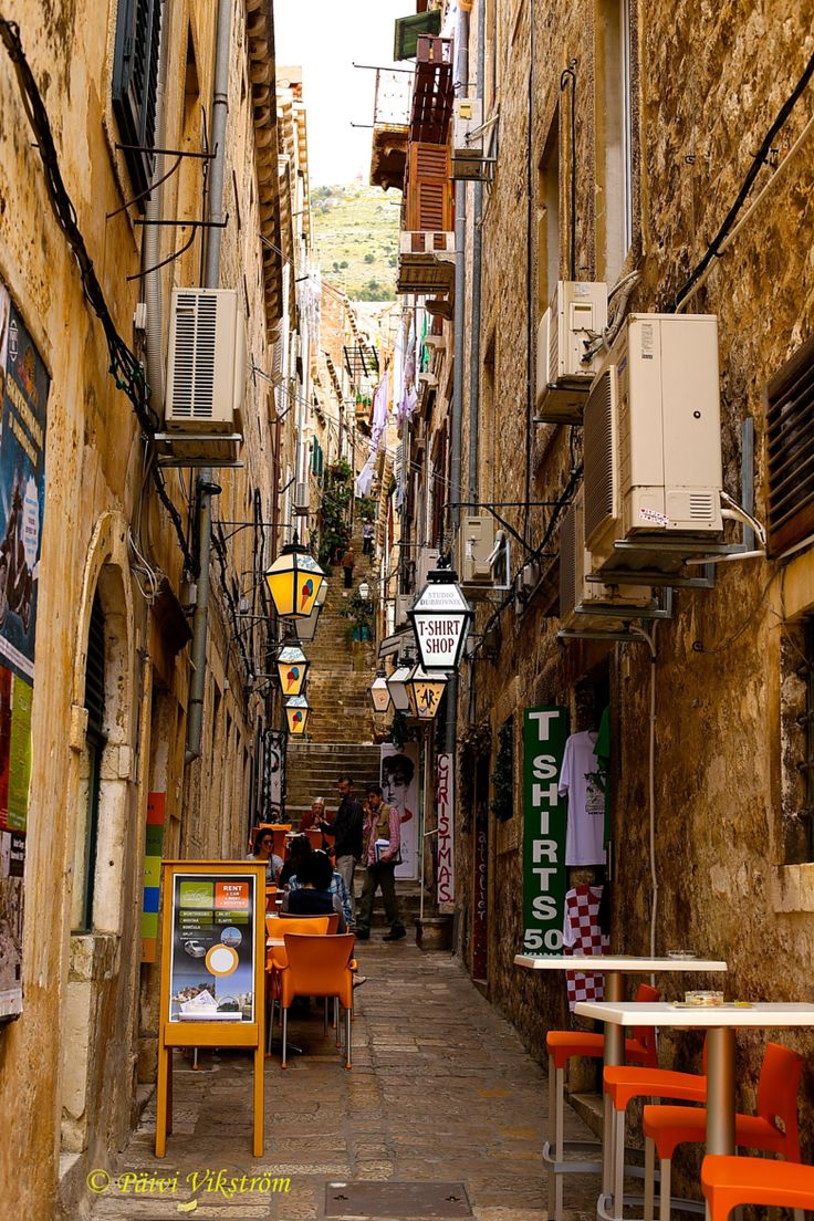 Dubrovnik, Croatia  A travel board about Dubrovnik Croatia. Includes things to do in Dubrovnik, Dubrovnik nightlife, Dubrovnik food, Dubrovnik tips and much more about what to do in Dubrovnik. -- Have a look at http://www.travelerguides.net