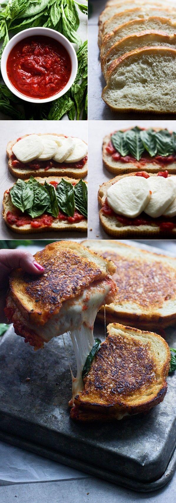 Toast mit Spinat und Tomate