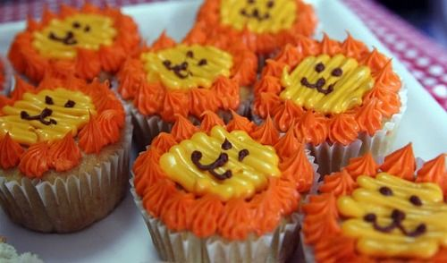gotta make these lion cupcakes for my astronomy LEO presentation.