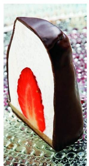 Flødeboller with strawberries :) !