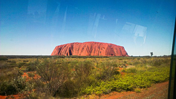 Uluru, the largest sandstone in Australia! I love outback!!!