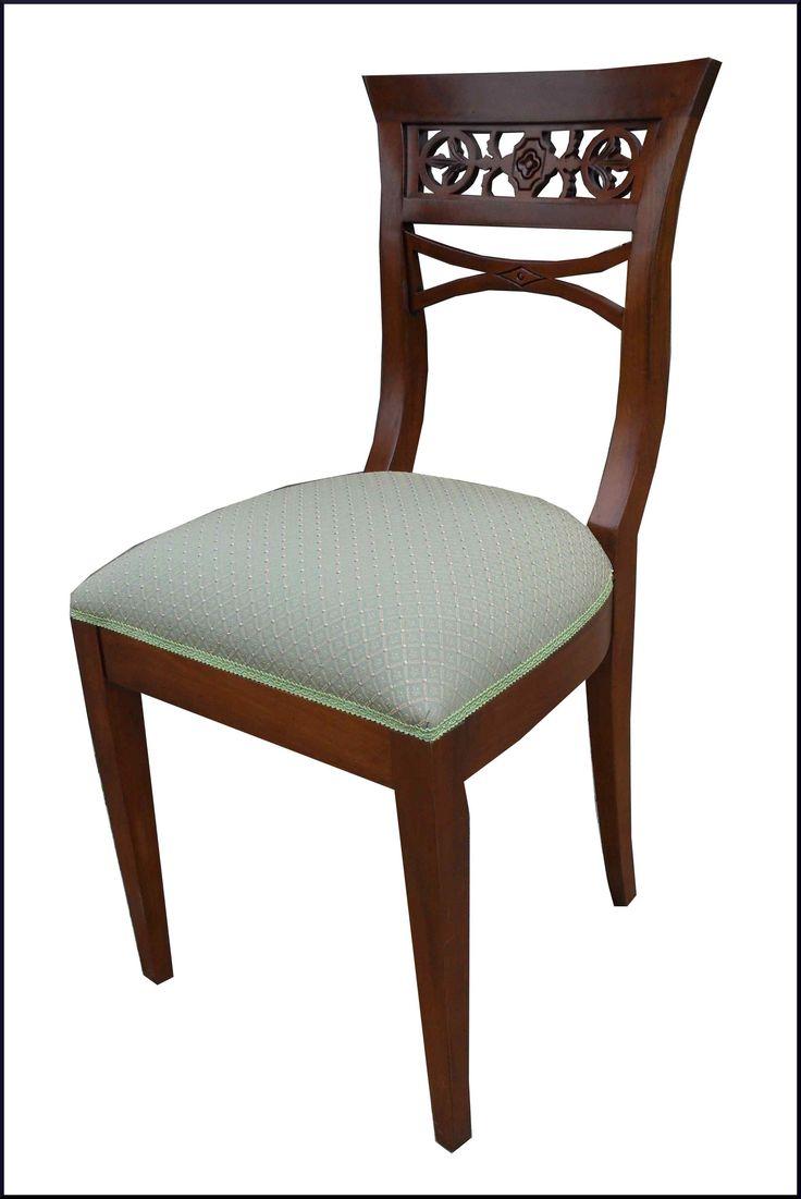 Sedia classica con schienale traforato