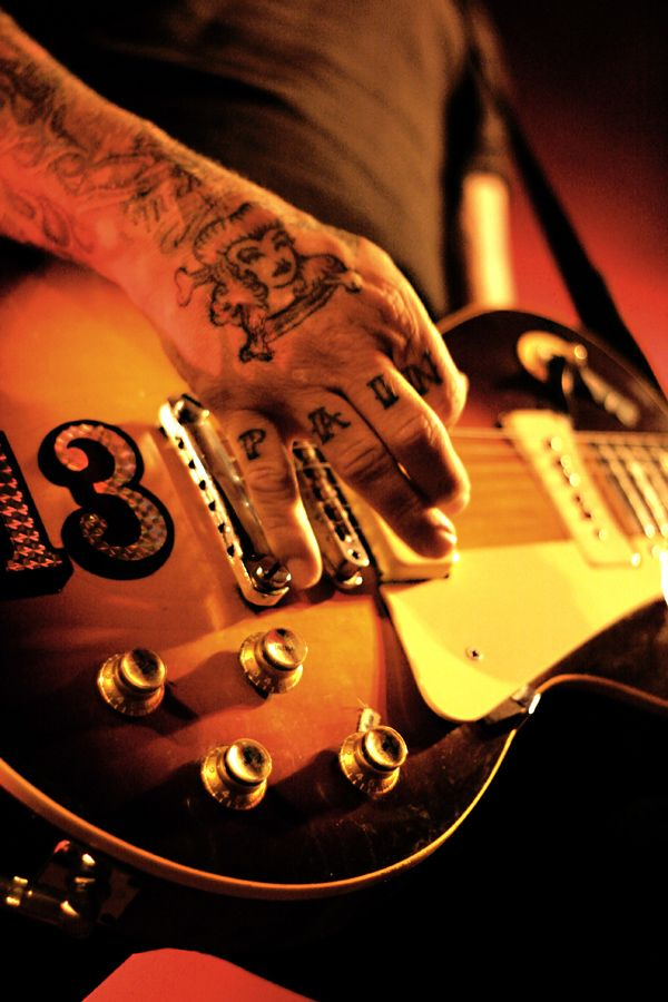 Mike Ness of Social Distortion 07.18.09 - Vancouver, BC, Canada - Commodore Ballroom - Photo by Lauren Keogh