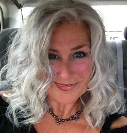 Lovely! | Hot women with gray silver hair! | Pinterest