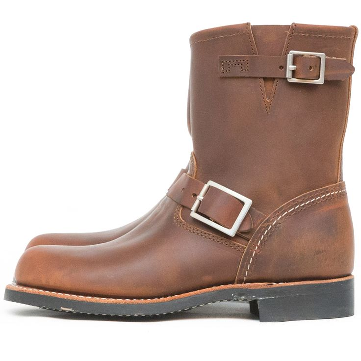 The Red Wing Shoes Short Engineer 3356 Copper Rough & Tough is a Red Wing Shoes Women style from the Core Collection. The Core Collection features the most popular styles from our men's collection, completely redesigned with smoother cow hide and a softer insole, resulting in a boot that is much more comfortable but just as tough as our men's ... Read More