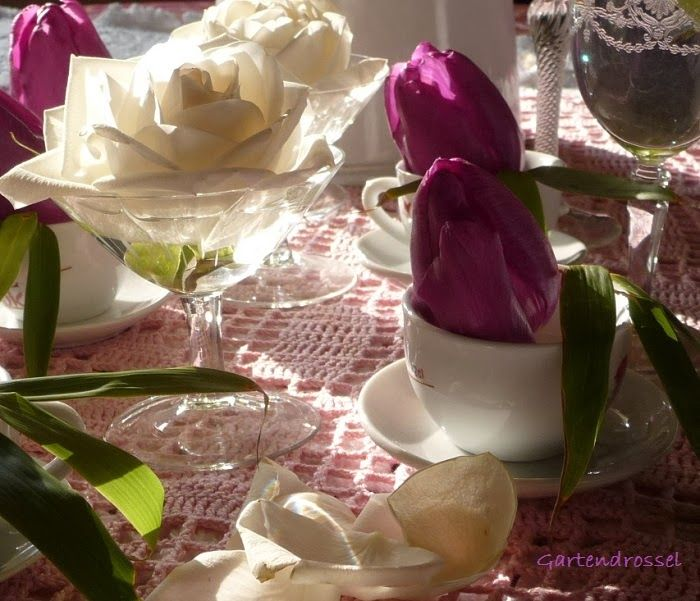 Tischdekoration Tulpen und Rosen