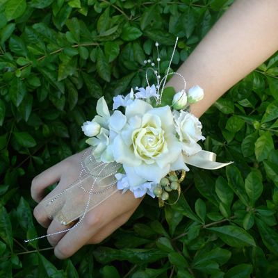 Brand Wrist Rose Flower Corsages For Bride or Bridesmaid With Elastic Bracelet of Pearl Artificial Flowers for Wedding Decor