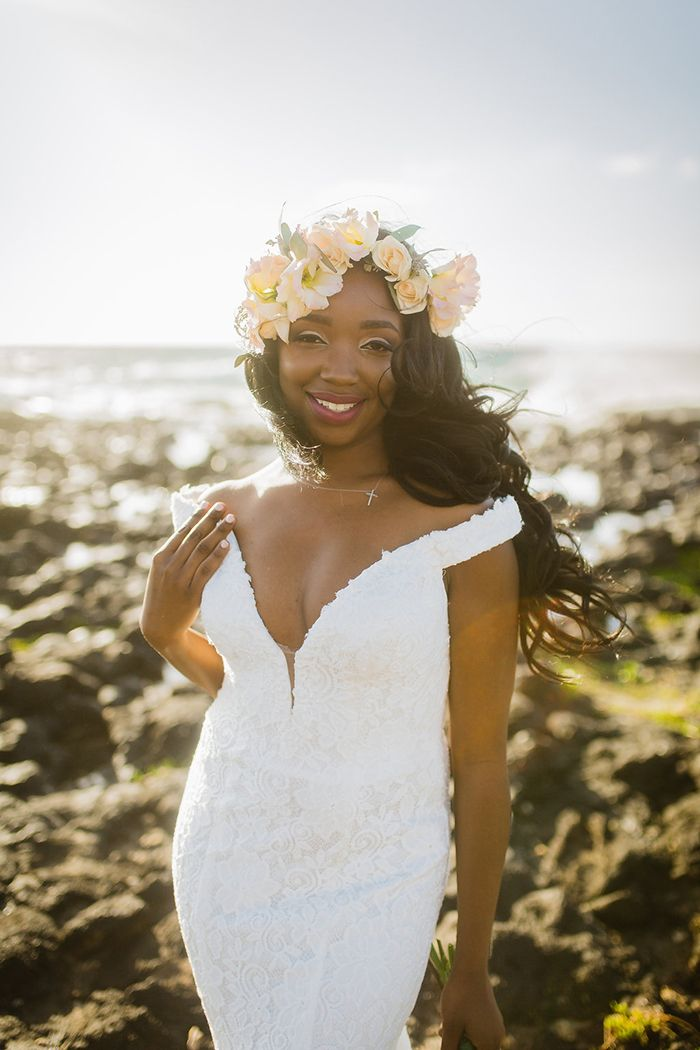 Breathtaking Beach Bride in Hawaii  #wedding #beachbride #bride #hawaii #destinationwedding #beachwedding #weddingdress