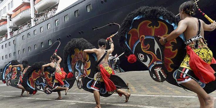 Kapal Pesiar Ke Tanjung Perak Terus Berkurang - http://darwinchai.com/traveling/kapal-pesiar-ke-tanjung-perak-terus-berkurang/
