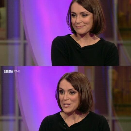 At the One Show. Xxx are we ready for leaving this year and start a great 2017? #keeleyhawes #actress #actor #britishactors #celebrity #stars #artist #films #series #drama #perioddrama#ashestoashes #upstairsdownstairs #laracroft #thecasualvacancy #spooks #thehollowcrown #underthegreenwoodtree #thedurrells #theMissing #bafta