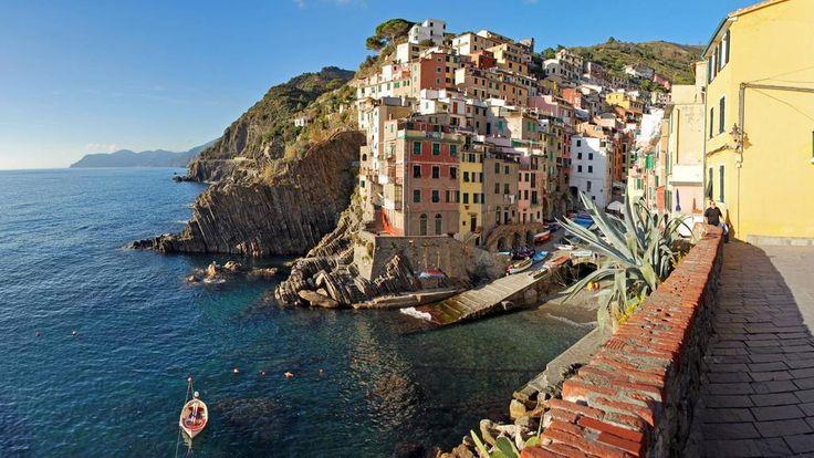 The beutiful village of Riomaggiore  - http://earth66.com/city/beutiful-village-riomaggiore/