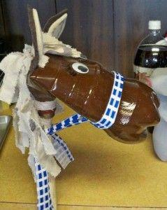 Low cost creative idea.... 2 liter bottle stick horse 2 LITER BOTTLE STICK HORSE ~ DIY UP-CYCLE CRAFT FOR KIDS