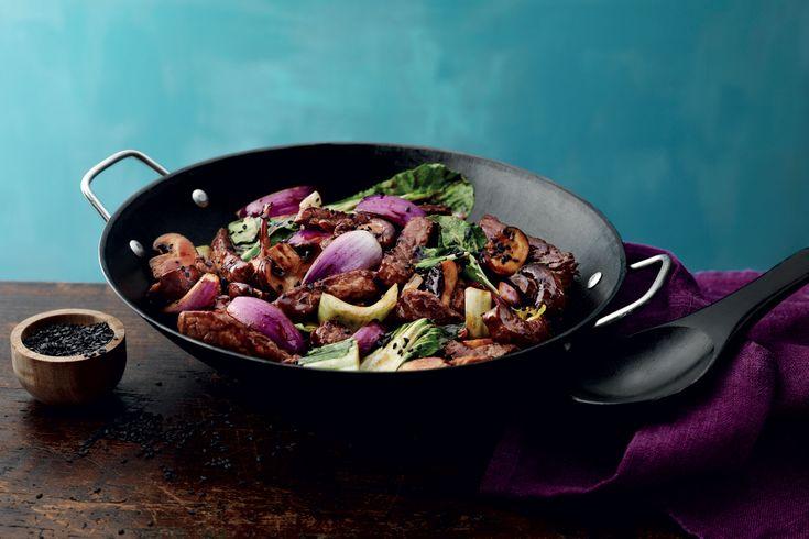 En lättlagad och god wok med biff och mild teriyakisås.