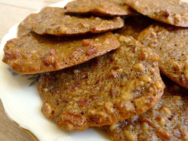 Heerlijke koekjes van pecannoten. Ze zijn makkelijk om te maken en lijken op de bekende kletskoppen.  | http://degezondekok.nl