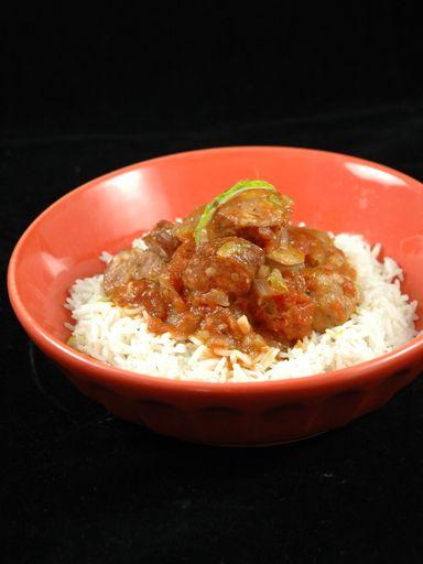 Rougail saucisses réunionnais - Recette de cuisine Marmiton : une recette