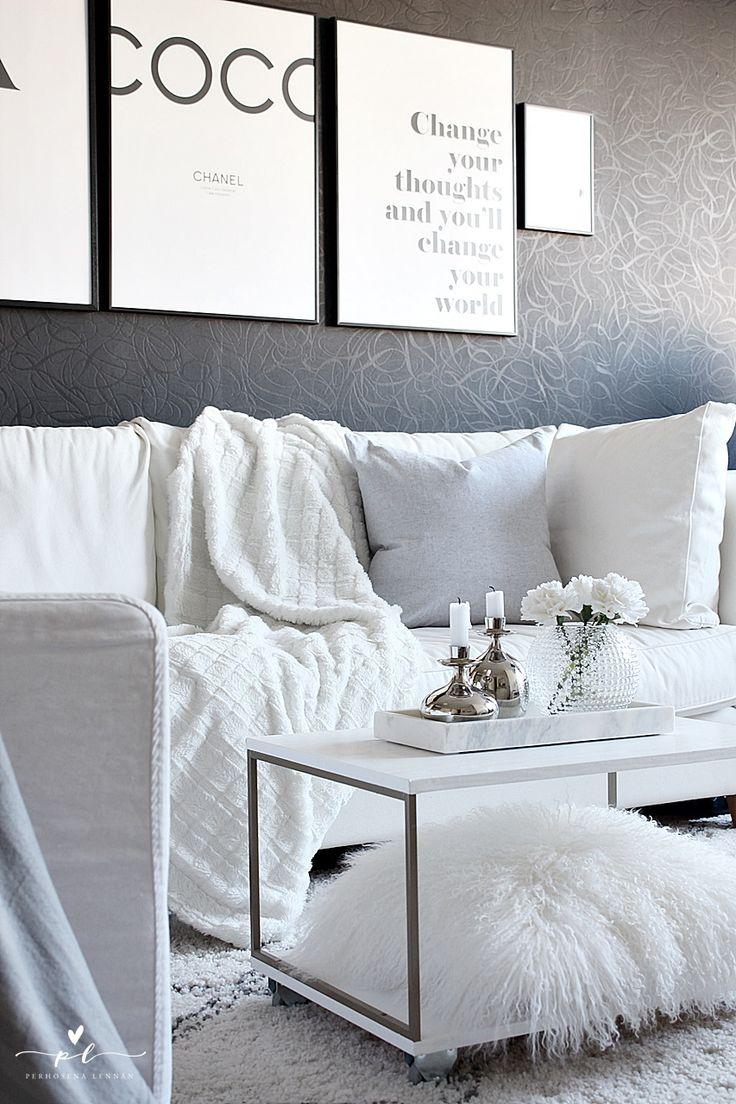 Livingroon Olohuone desenio marmoritarjotin white couch interior decor pentik kynttilänjalat