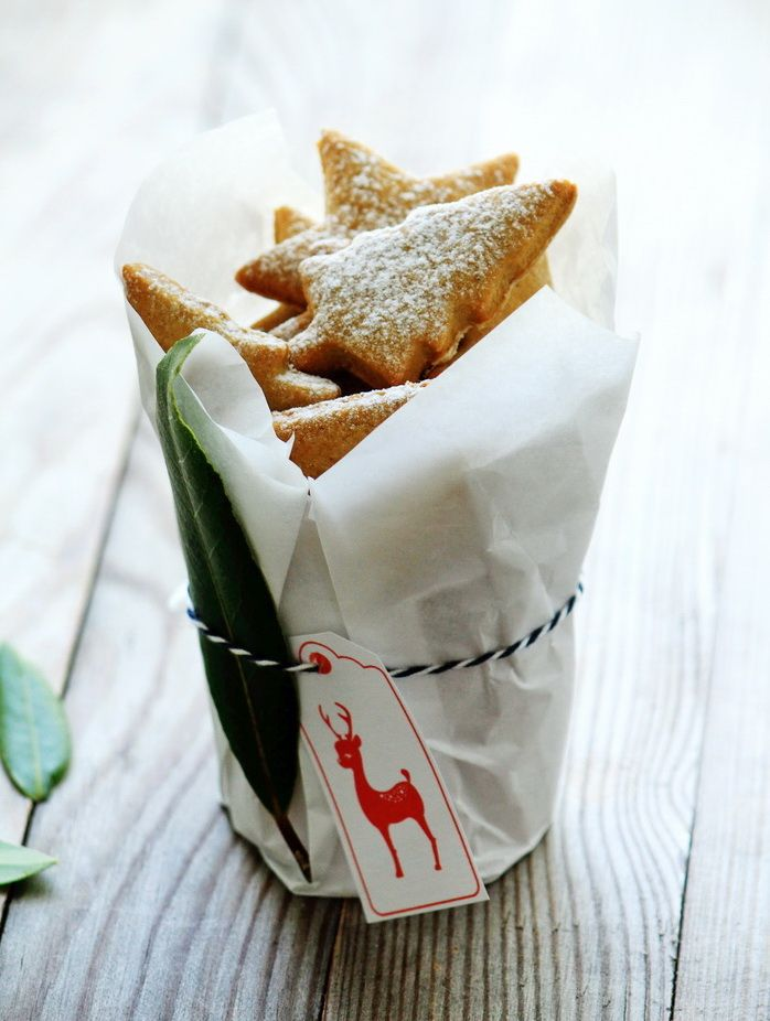 Al Dente Gourmet: Baked with Love {Cinnamon Cookies} & A Christmas Wrapping Idea