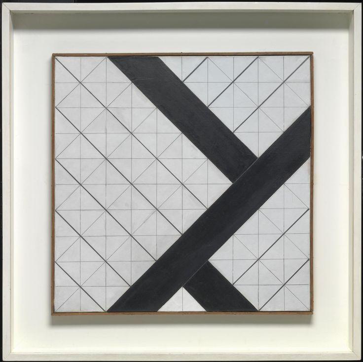 테오 반 데스 부르크-Counter-Composition VI 1925 몬드리안의 작품과 비슷하지만 대각선으로 이루어진것이 그의 작품의 주된 특징이다 이작품은 전체적으로 흰색배경에 검은 색 대각선을그어 그 대비를 완전히 보여주었고, 미세한 선의 두께차이에서도 대각선의 매력을 잘 볼 수 있다.