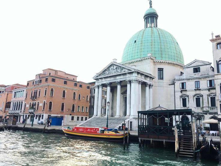Chiesa di San Simeone Piccolo davanti a Stazione di Venezia Santa Lucia, Venezia