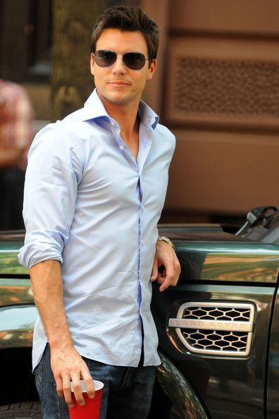 Mr. Grey looking yummy in casual attire. (Colin Egglesfield)