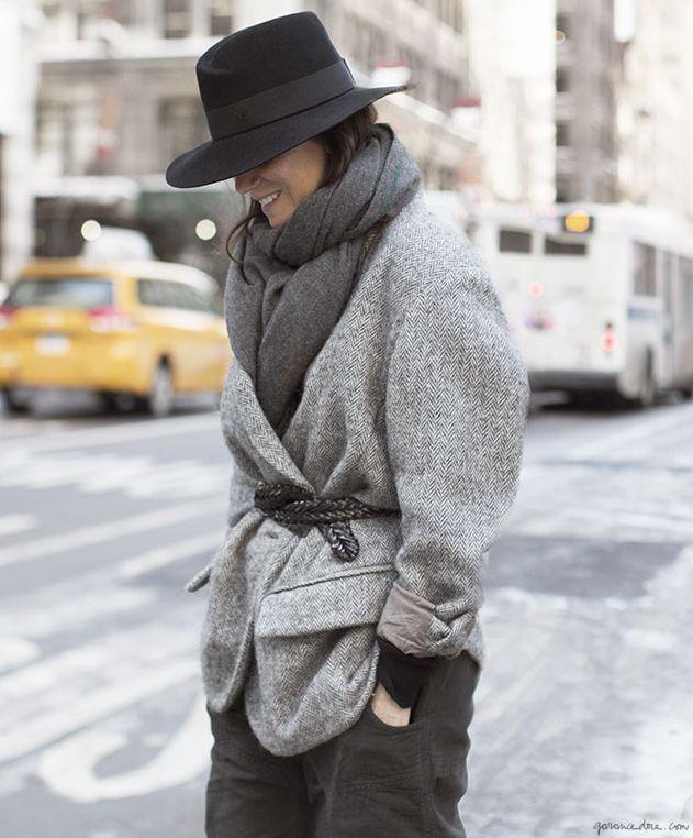 Emmanuelle Alt, fedora, grey, belted coat, grey scarf / Garance Doré