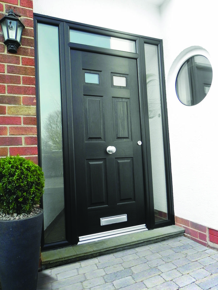 This Black Regency with glass side frames and central knob is simple yet beautiful.  #rockdoor #homedecor