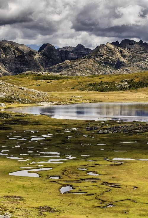 Lac de Ninu, Corse.