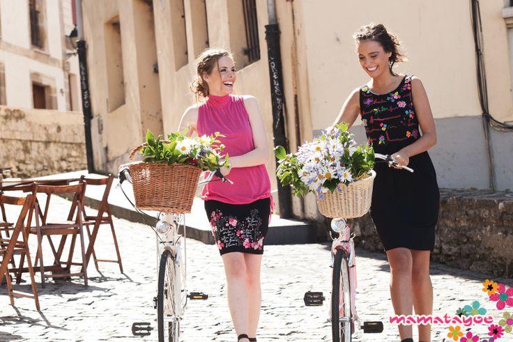 Vestido con aplicaciones florales en fieltro  Dress with floral felt applications  Robe avec application florales en feutrine  Abito con applicazioni in feltro.