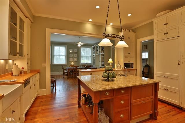 Madison Oaks Circa Old Houses Old Houses For Sale And Historic Real Estate Listings Old Houses For Sale Oaks Kitchen