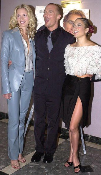 The cast of 'The Wedding Planner' pose at the film's premiere in Los Angeles 23 January 2001 Bridgette WilsonSampras Matthew McConaughey and Jennifer...