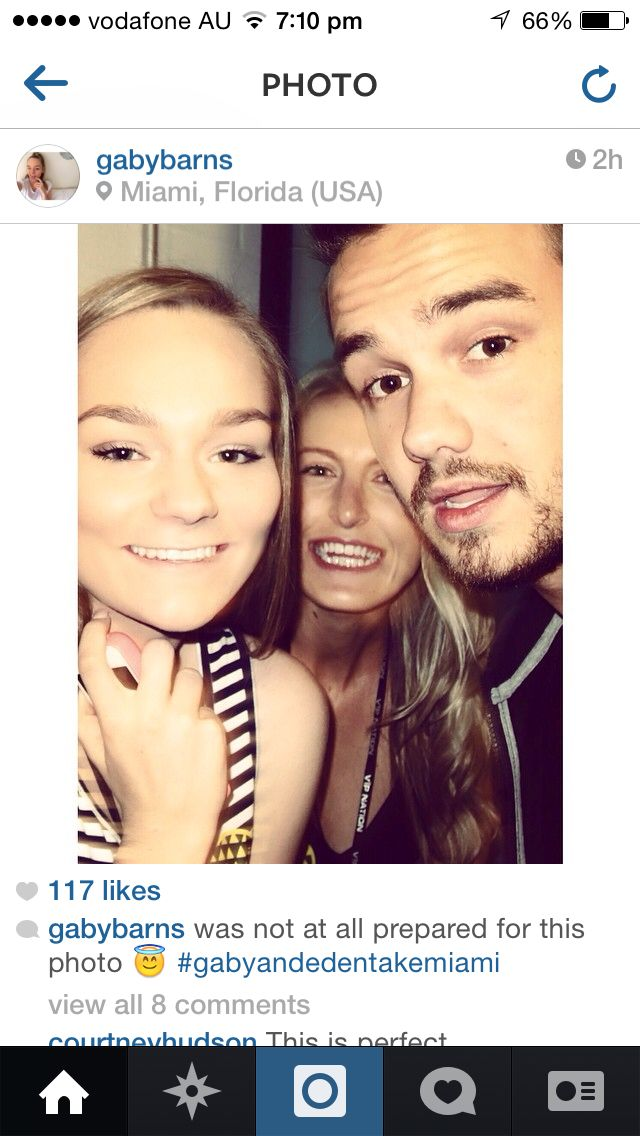Gaby getting a selfie with Liam from One Direction