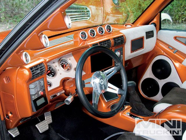 1994 Chevy S10 Custom Interior I Like Where The Nav Screen Is Mounted Bucket Seats Console