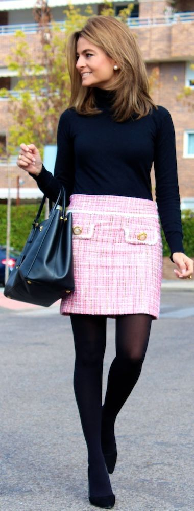 Pink tweed skirt - top ideas