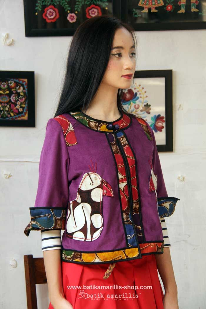 ♥ Batik Amarillis's Birdy jacket ♥ Batik Amarillis made in Indonesia ... The impeccably detailed cheerful design combines unique 'Birdy' applique pockets, a cropped silhouette with three-quarter sleeves, contrast-panel detailing and a beaded button,this is one of the kind!