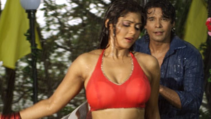 Hot Bhojpuri Rain Songs  Sun Tor Boliya  Bhojpuri Movie -4580