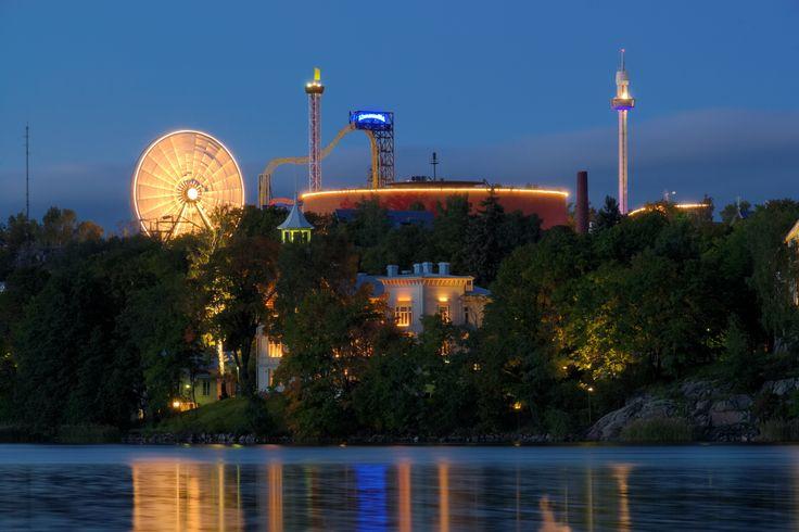 Linnanmäki Töölönlahdelta #finland #helsinki #linnanmaki #summer #kesa #visitfinland #huvipuisto #amusementpark #nojespark #puisto #park