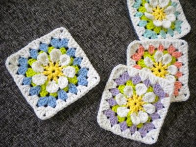 3D flower granny square free pattternsFlower Gardan Granny Square by Hiromi from Harujion Design