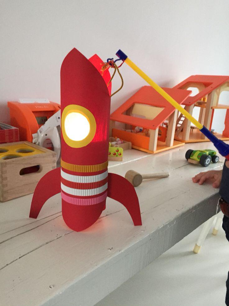 Sint Maarten lampion raket!!! Zelf geknutseld!!